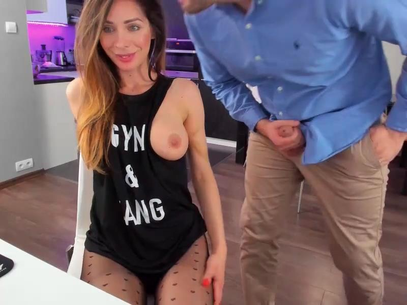 Guy Suddenly Penetrates Her Mouth On Cam