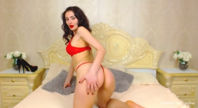 LJ camgirl Yaniina in red lingerie