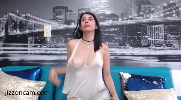 Сooling fan helped CamilaRussu to flash tits