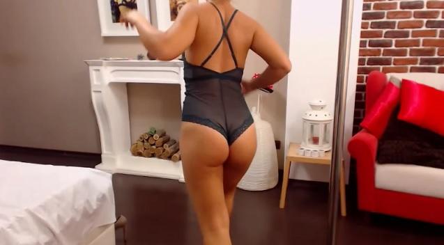 Booty tanned JessieWhites xxx online webcam sex show